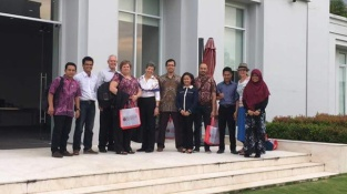 Visit at new graduate public policy school